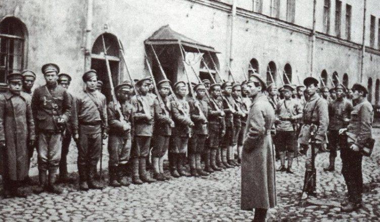 Построение отряда Красной Армии