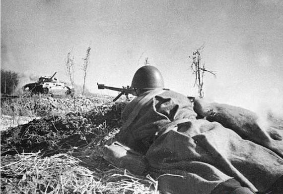 Солдат против танка