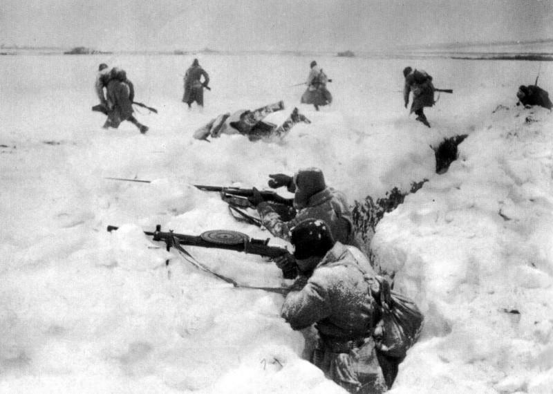 Солдаты в траншеях