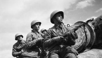 Советски солдаты с ППШ