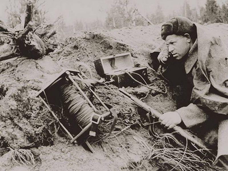 Советский телефонист