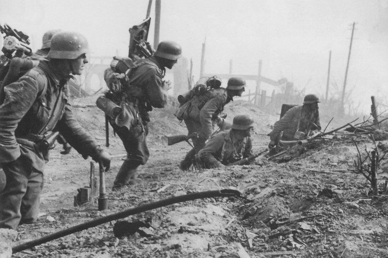 Немцы идут в атаку ВОВ