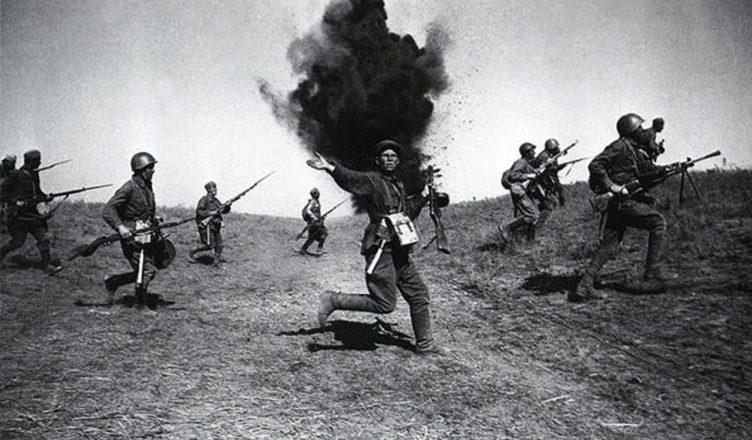 Атака советских солдат