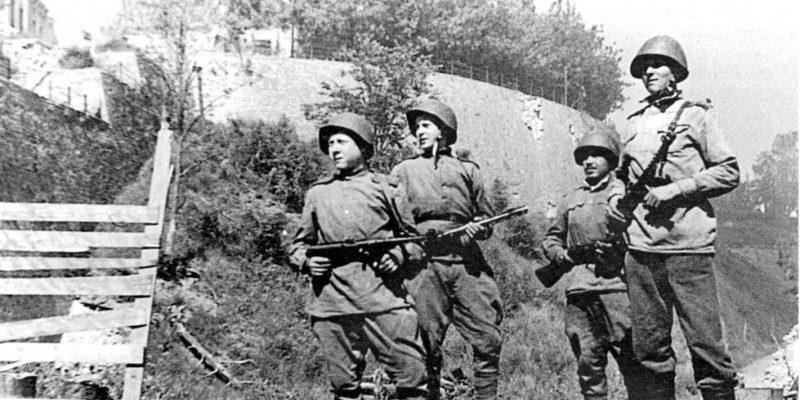 Советские солдаты 1944