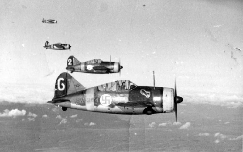Как артиллеристы обороняли полуостров от финской авиации