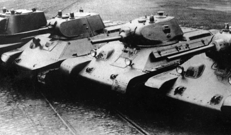 Танки T-34 1940 год