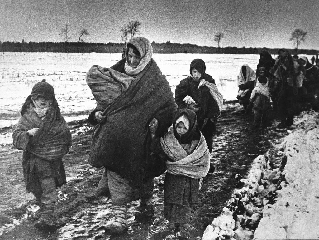 Беженцы с детьми ВОВ
