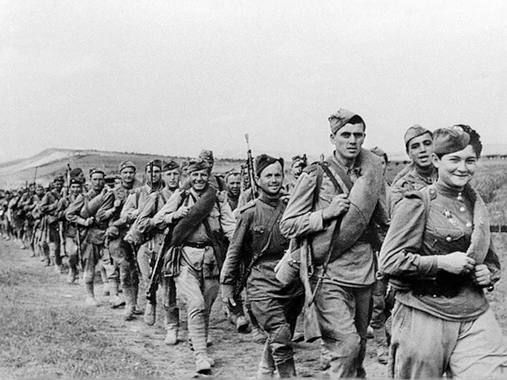 Советские войска на марше ВОВ