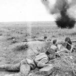 Советские пулеметчики отстреливаются ВОВ