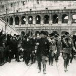 Итальянские фашисты возле Колизея