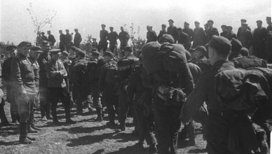 Немцы идут в плен ВОВ