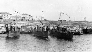 Морские охотники на причале Севастополя ВОВ