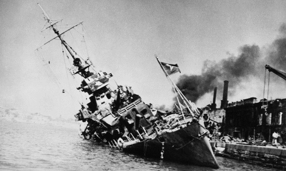 Корабль тонущий в Одесской бухте ВОВ