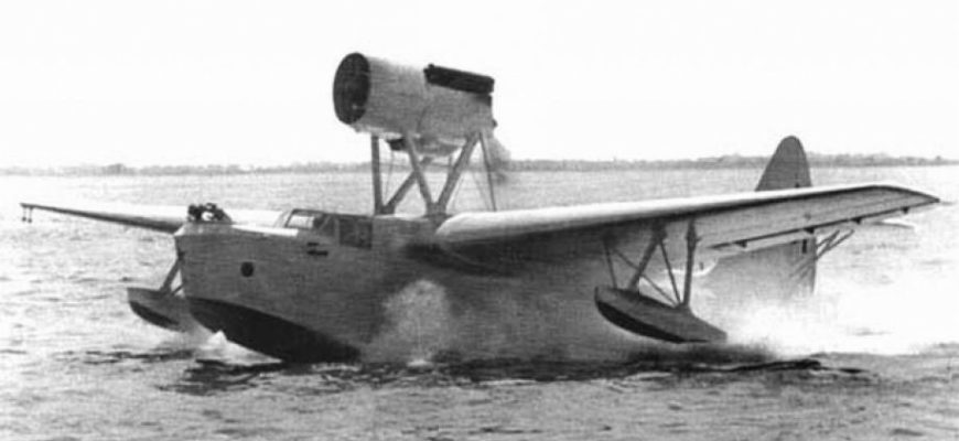 Спасение экипажа МБР-2