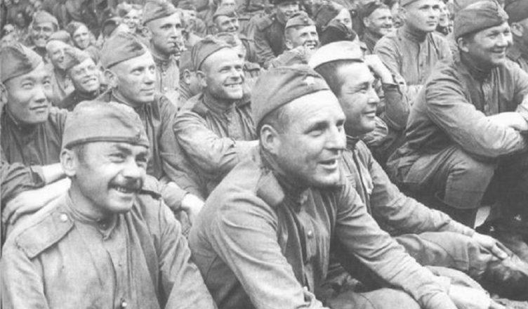 11 партийных и 60 комсомольских билетов погибших