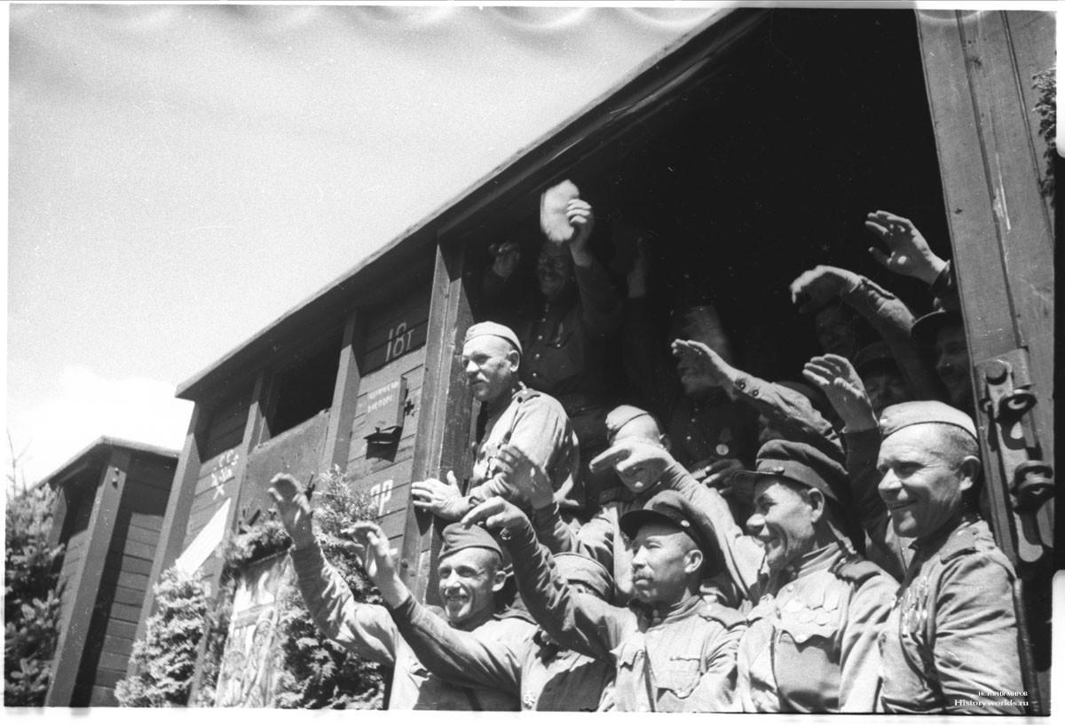 Конец войны в Курляндии — солдаты едут домой