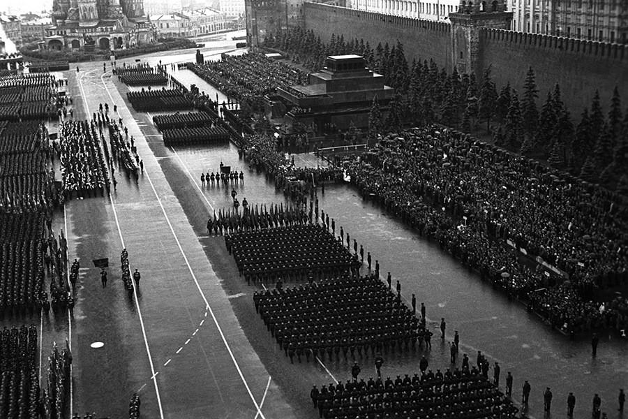 Еще одно усилие — пройти парадом Победы по брусчатке