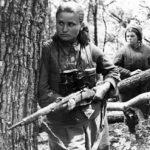 Женщины в партизанском отряде не только стирали и еду готовили