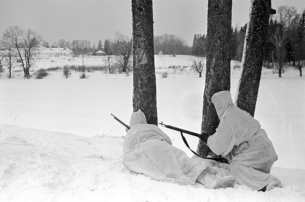 разведчики вов зимой