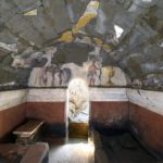 Археологи обнаружили гробницу возрастом 2200 лет