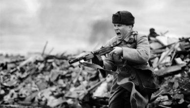 солдат с открытым ртом