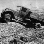 грузовик в грязи