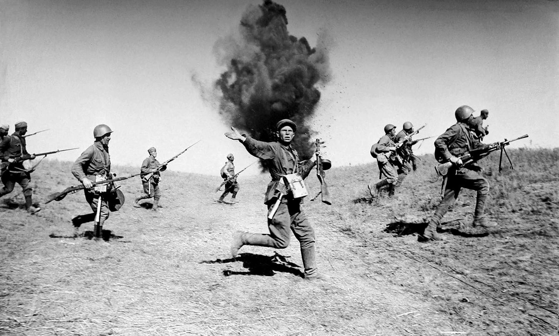атака советских солдат вов