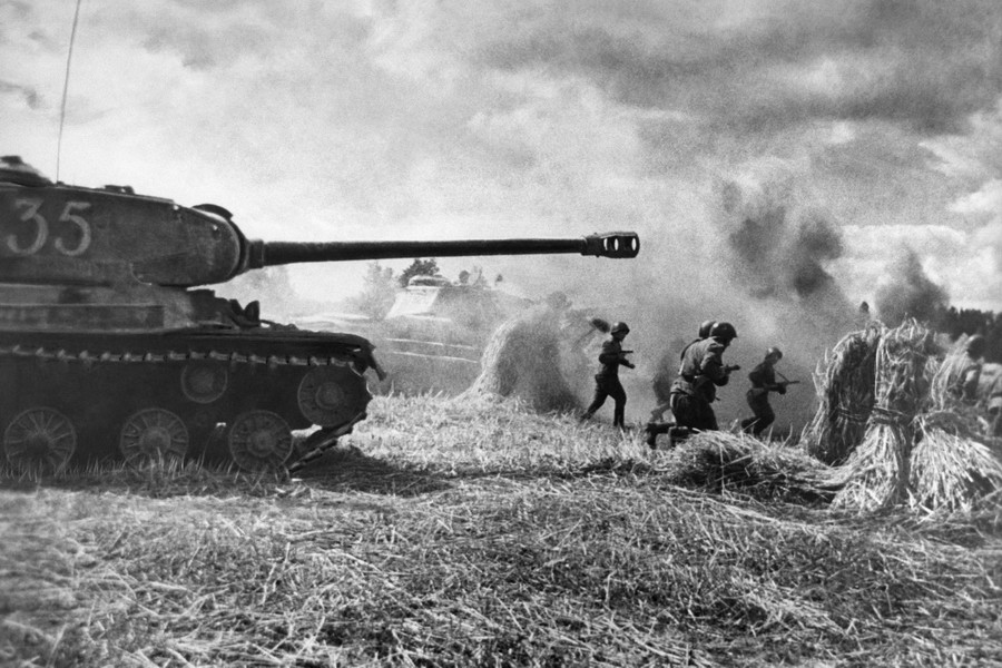 танковая атака