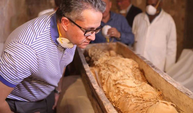Великолепно сохранившиеся мумии найдены в Египте