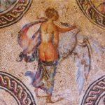 Найдена шутливая мозаика, развлекавшая древних греков
