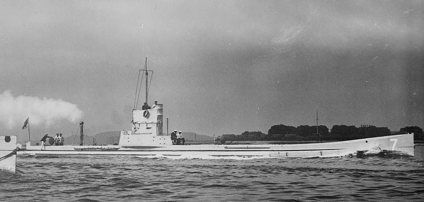 Submarine_U-7