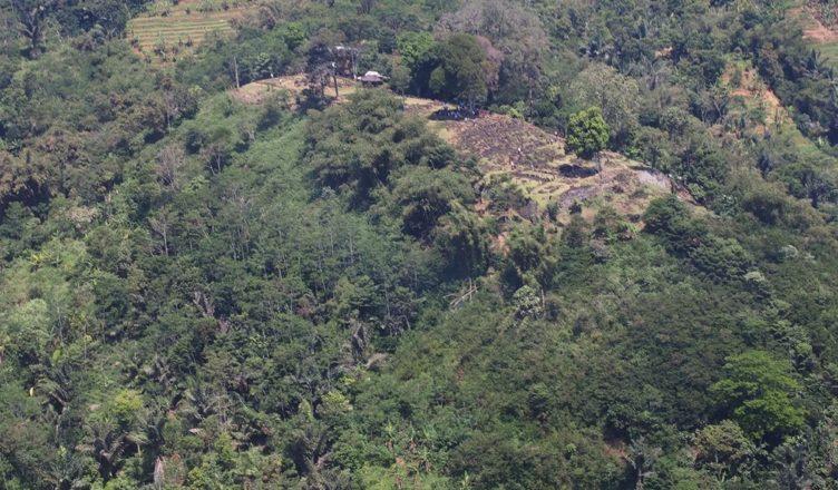 Найденная в Индонезии пирамида вероятно была древним храмом