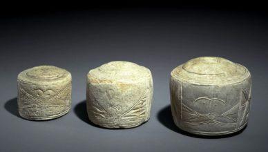 Археологи утверждают, что рисунки на этих камнях соответствуют расположению камней Стоунхенджа