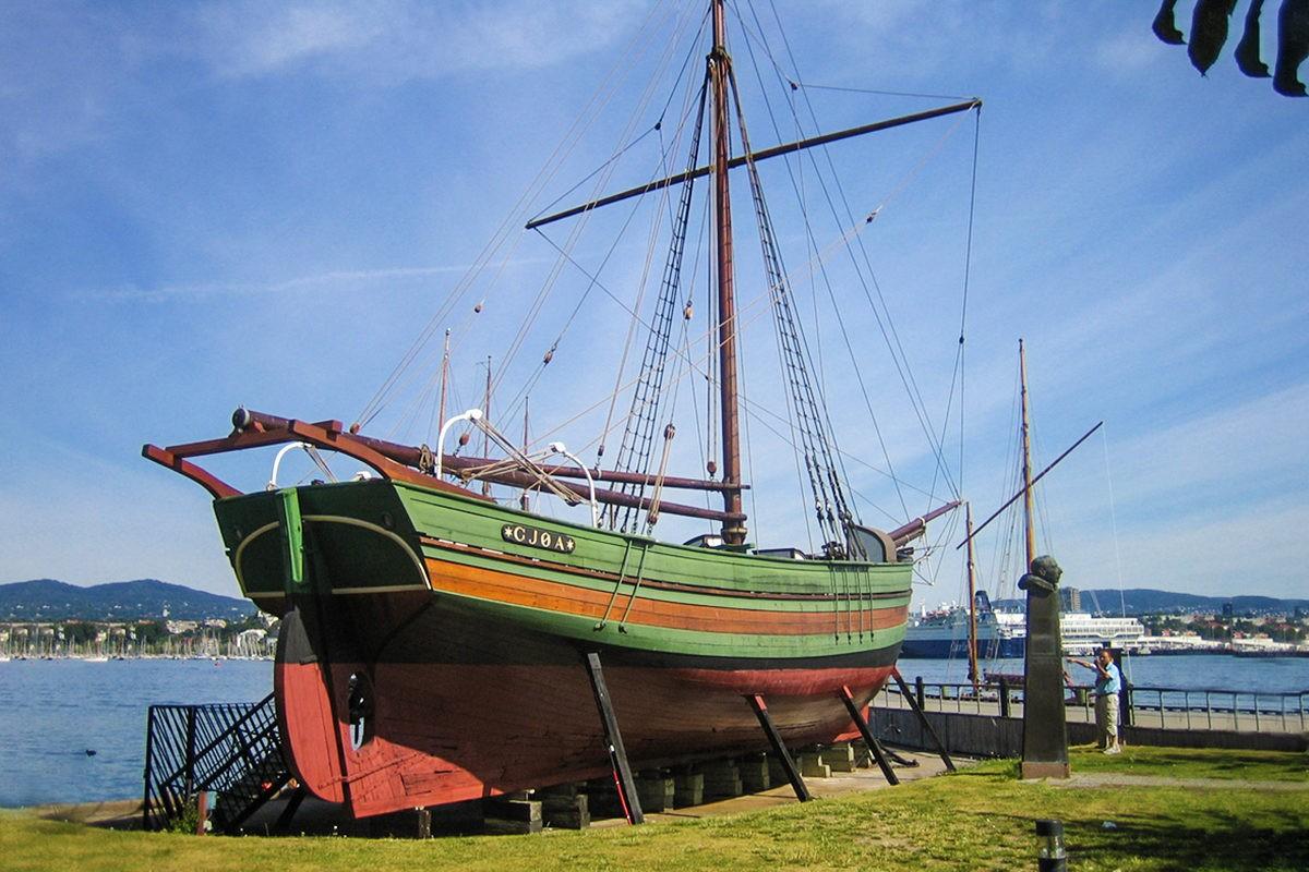 "Амундсен яхта ""Йоа"""