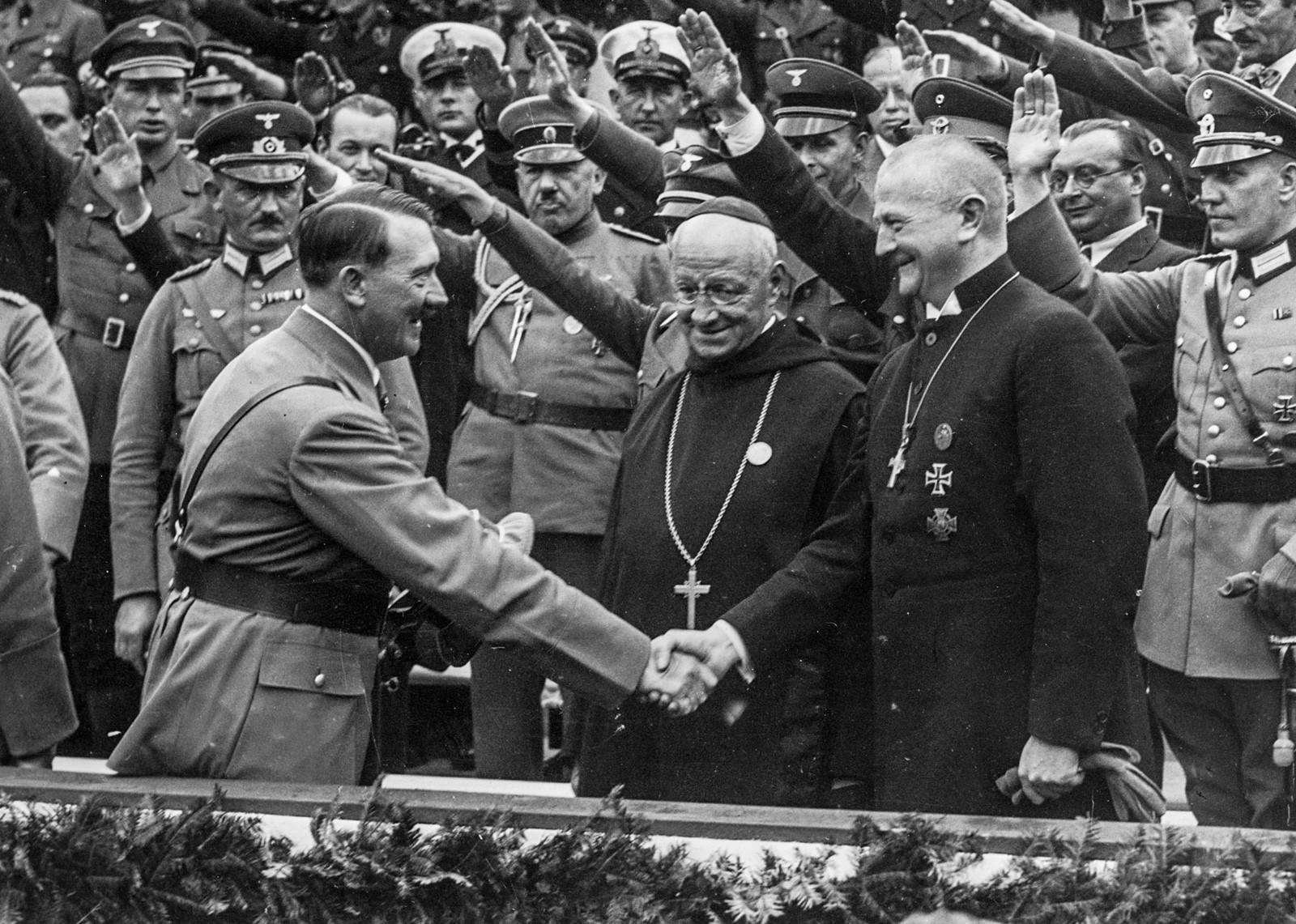 католики и фашисты