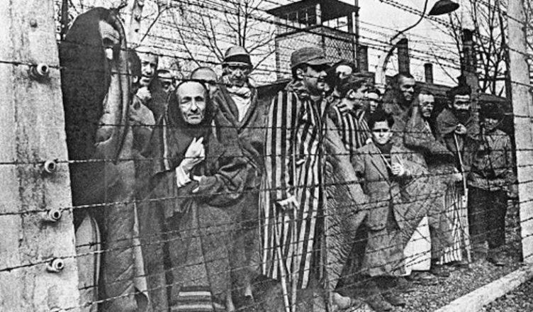 """Использование немцами военнопленных как """"живого щита"""""""