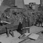Бронепоезда против немецких танков