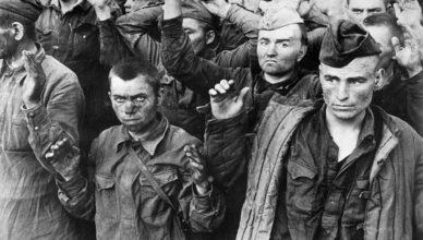 Как немцы заставили пройти пленных 700 километров