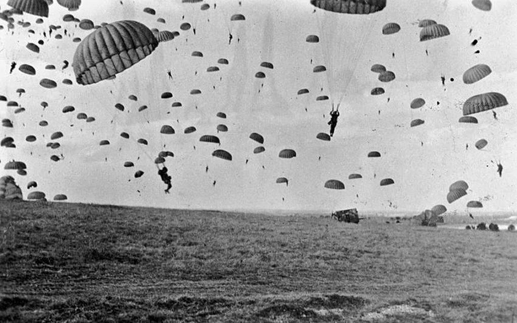 Как немцы поступали с парашютистами