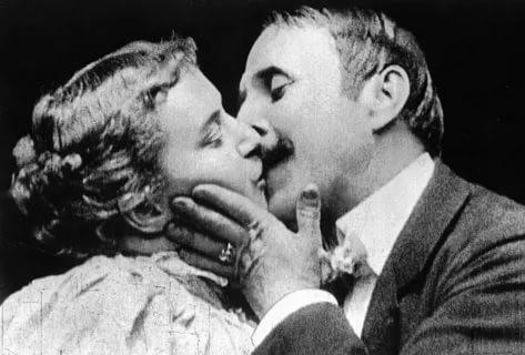 Первый поцелуй на киноэкране – 1896 год