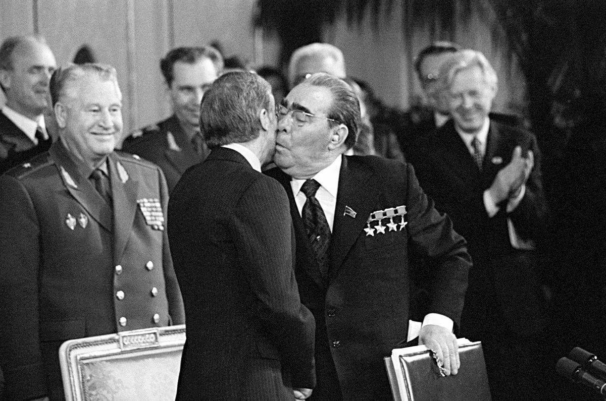 Поцелуй лидеров соцстран – 1979 год