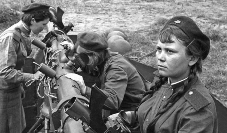 Девушки в боях за Сталинград