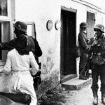 немцев, шаривших по домам