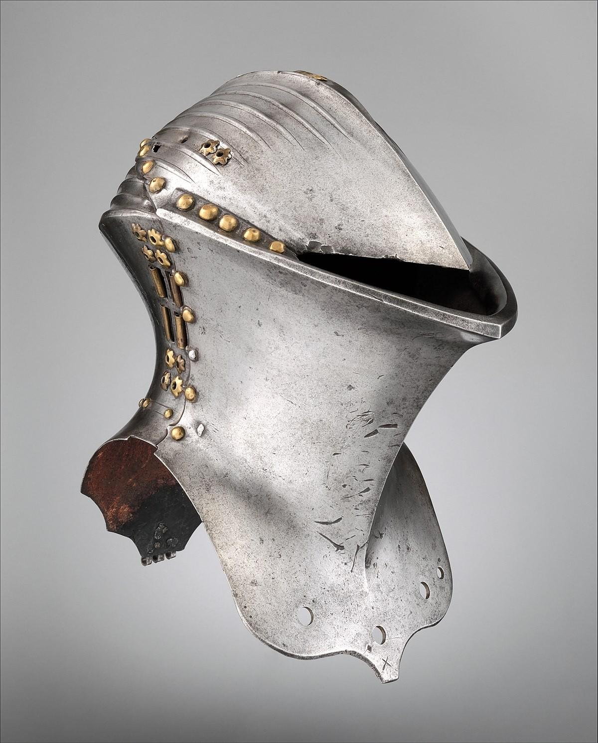 Шлем жабья голова XV века