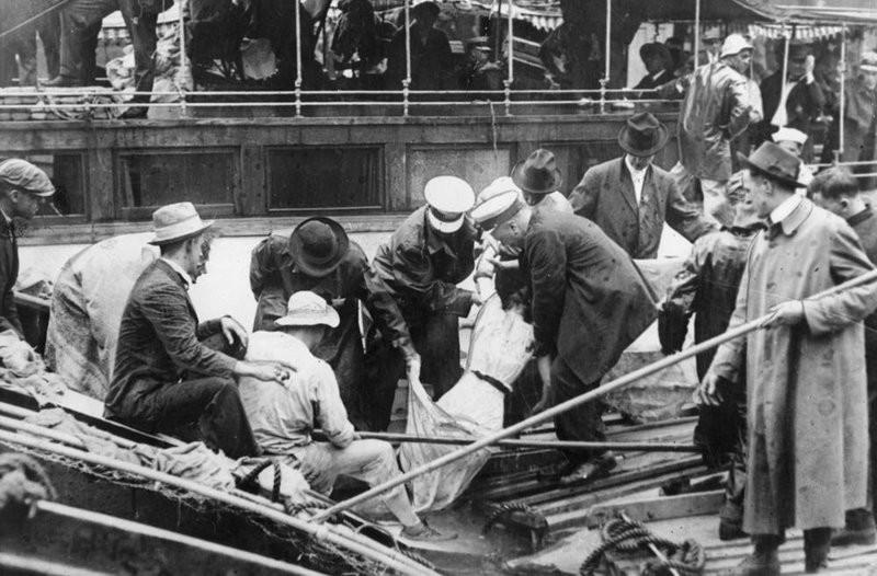 жертвы трагедии, произошедшей на Титанике.