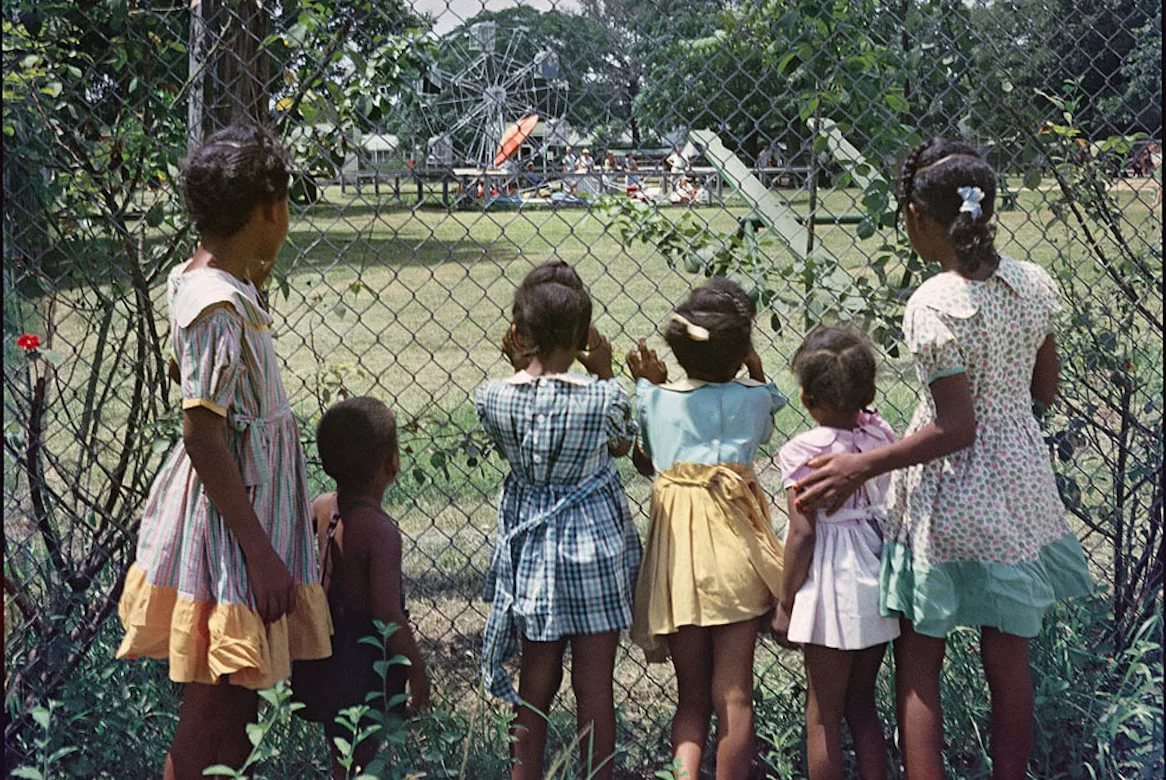 на юге США сформировались расистские настроения