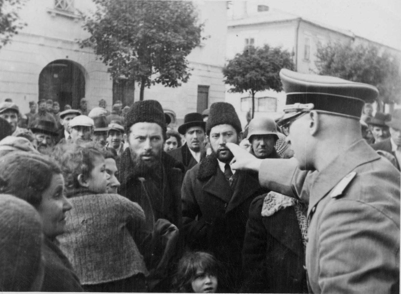 Как поляки относились к евреям во время нацистской оккупации
