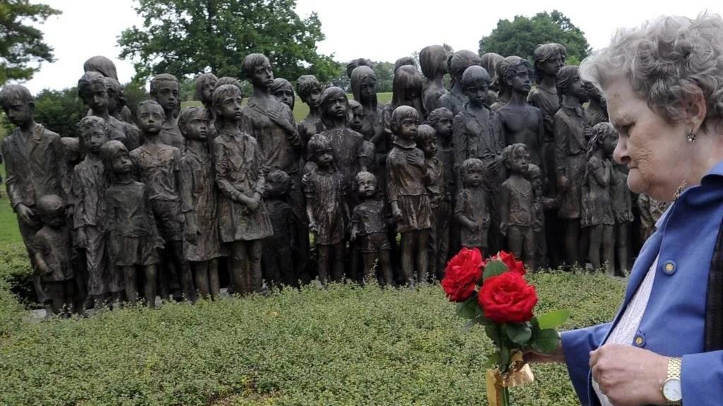 Как нацисты расправились с жителями Лидице