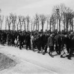 Издевательства эсэсовцев в концлагере Бухенвальд
