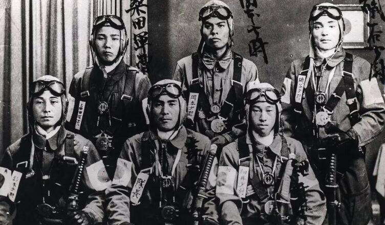 Командир авиационного полка «Вечность» Харуо Араки